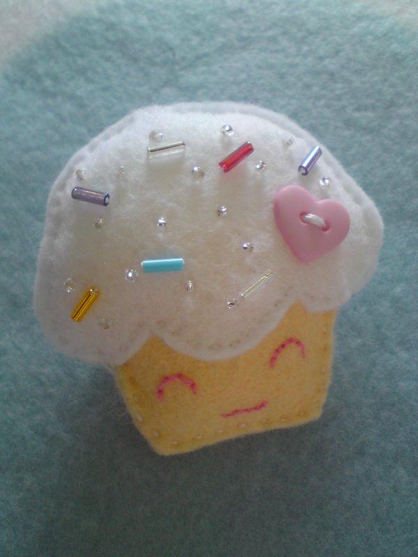 Broche de fieltro con forma de Cupcake estilo Kawaii Japonés