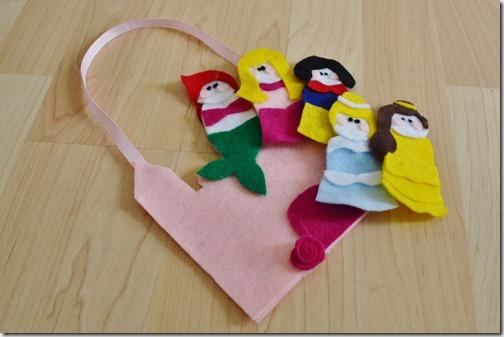Bonito bolso de fieltro para niñas con princesas Disney
