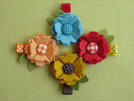 Broches de fieltro con forma de flor