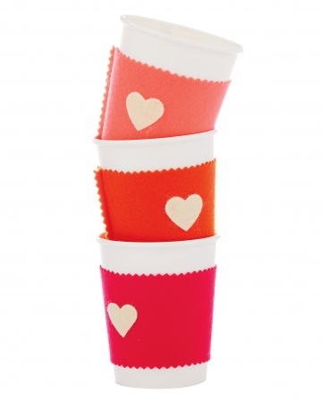 Manualidad de fieltro para San Valentín, forro de taza café