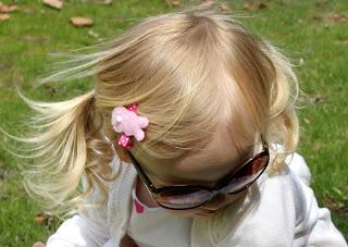 Pasador de pelo para niñas, conejo de fieltro y tela 2