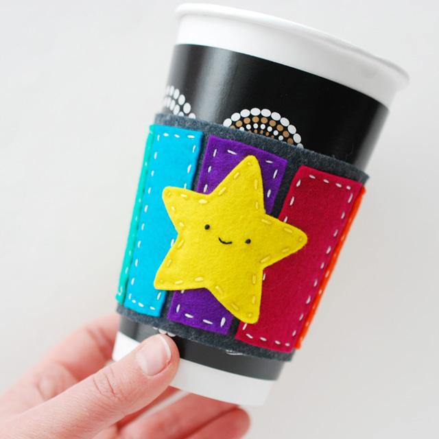 Manualidad de fieltro, protector café estrella Mario Kart