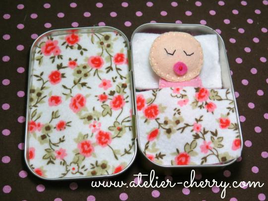 Tutorial, manualidad de caja de latón con bebé en fieltro