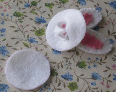 clip-adorno-pelo-orejas-conejo-fieltro-3