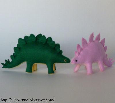 DIY, peluches con forma de dinosaurio hechos con fieltro