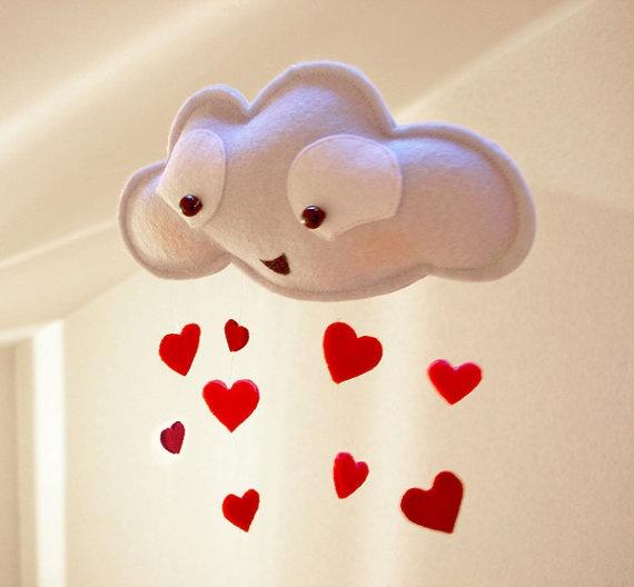 Móvil para colgar con forma de nube y lluvia de corazones, manualidades fieltro
