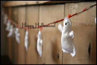 Guirlanda con fantasmas de fieltro, decoración para Halloween