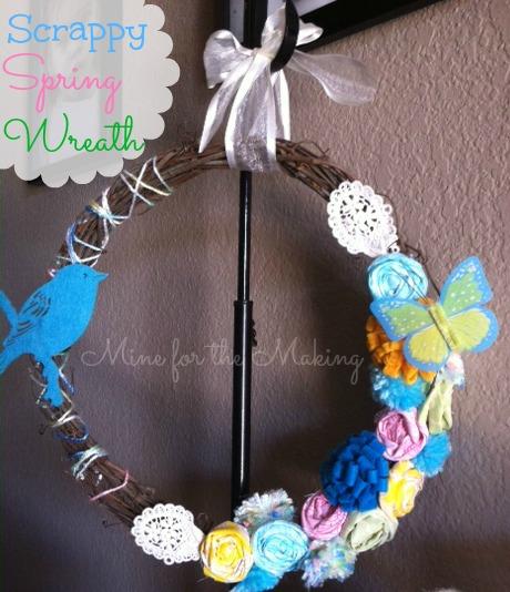 Manualidades en fieltro, corona con flores y pájaros para primavera