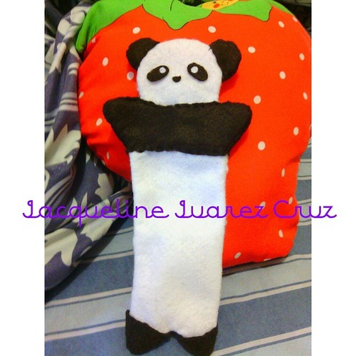 Estuche en fieltro con forma de oso panda