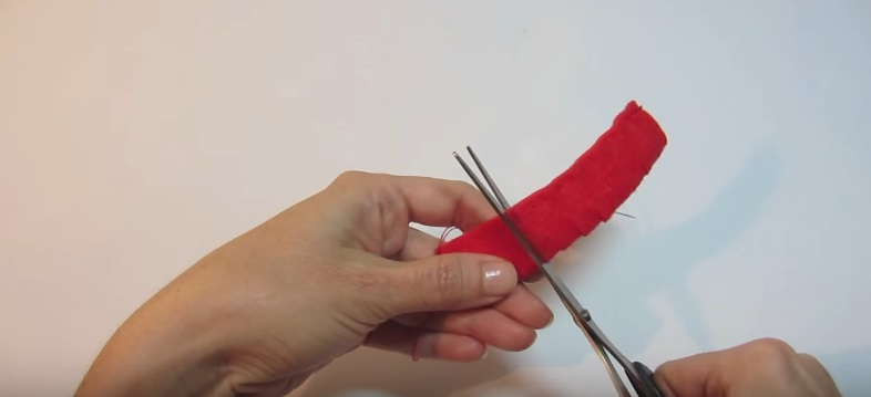 Tutorial para hacer una flor de fieltro fácil, paso 3
