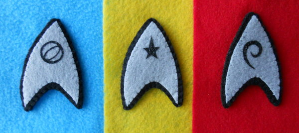 Broches de fieltro para frikis: las insignias de Star Trek