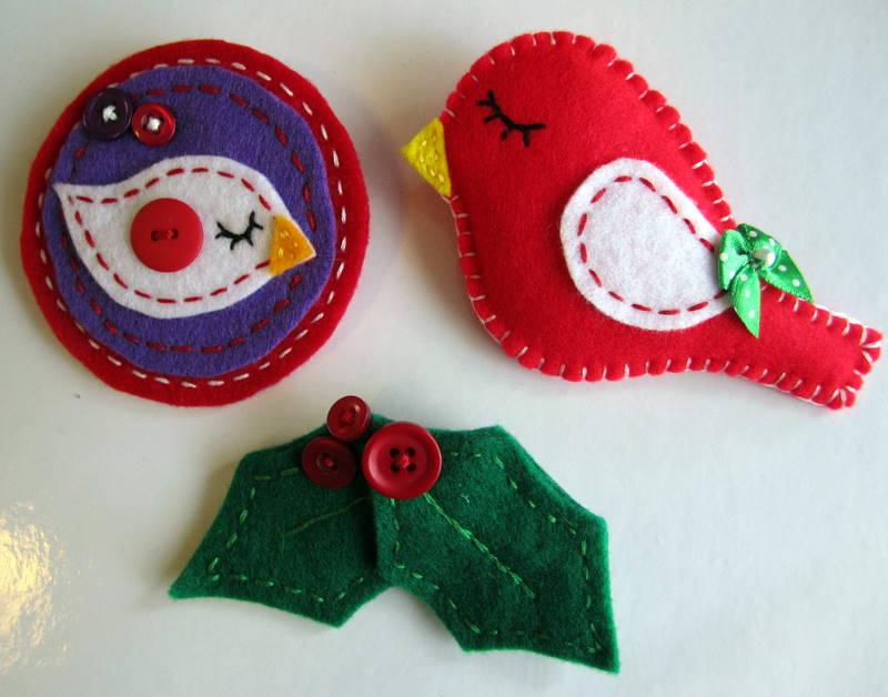 Tres broches de fieltro para navidad y un patr n broches - Ver adornos de navidad ...