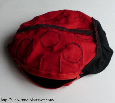 tutorial-paso-a-paso-almohada-cojin-infantil-forma-mariquita-tela-fieltro (2)
