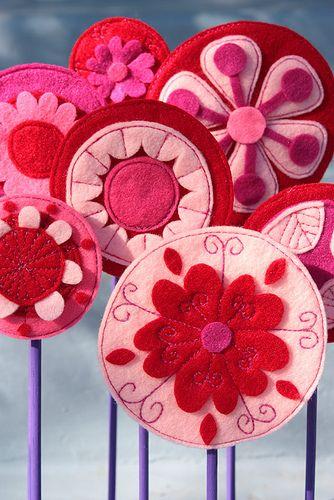 Flores de fieltro redondas con bordados, ¡maravillosas!