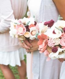 Ramos de flores de fieltro para la novia  y las damas de honor