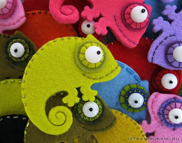 Broches de fieltro, camaleones de colores
