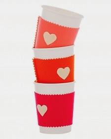 Ideas manualidades fieltro regalar en San Valentín, funda de taza