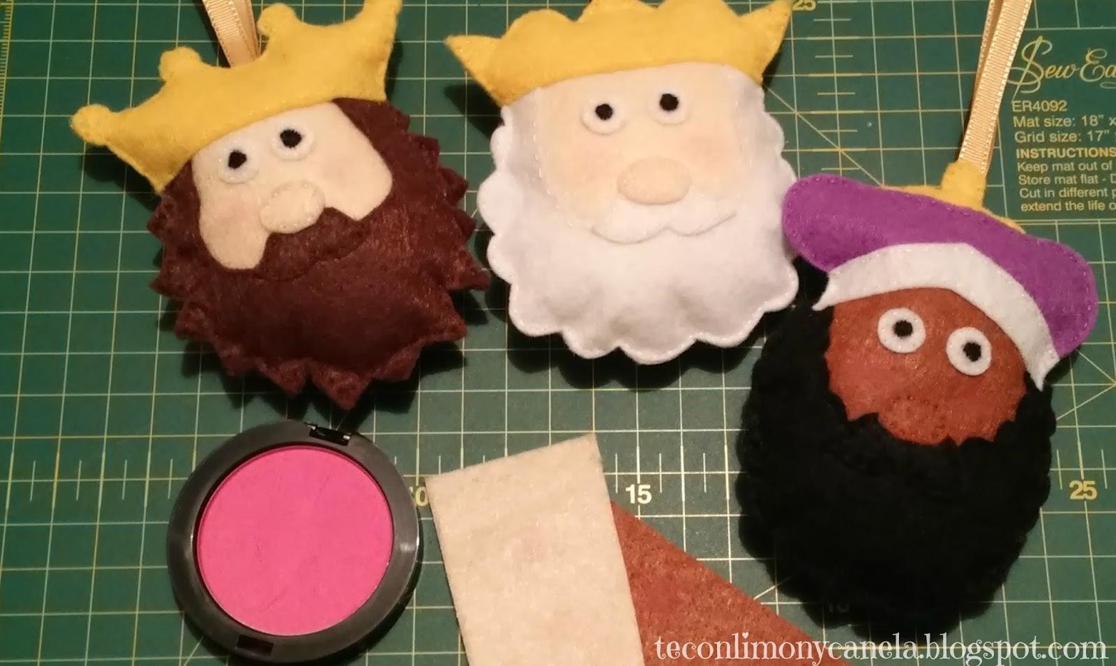 Los tres Reyes Magos hechos con fieltro