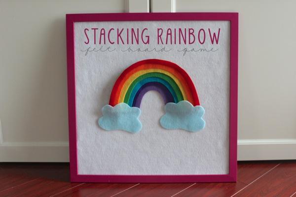 Arcoíris con nubes, manualidad fácil de fieltro para hacer con niños