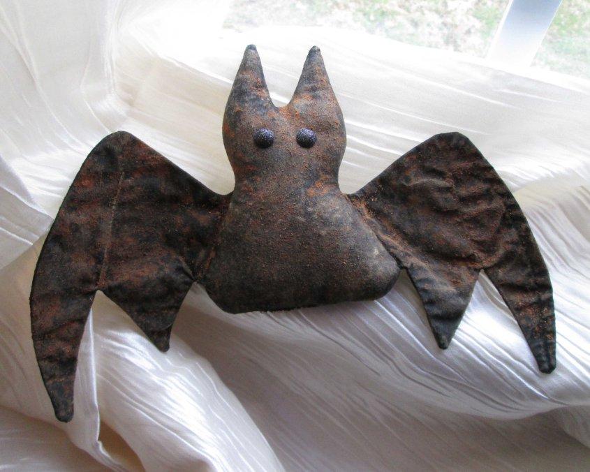 Peluche de tela murciélago realista