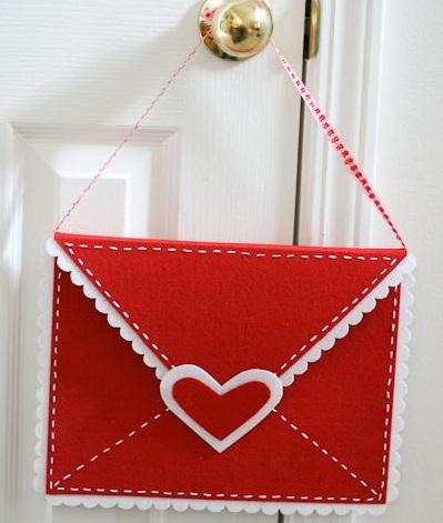Manualidades de fieltro para regalar en San Valentín con sus tutoriales
