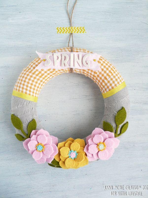 Corona de flores de fieltro para primavera 3