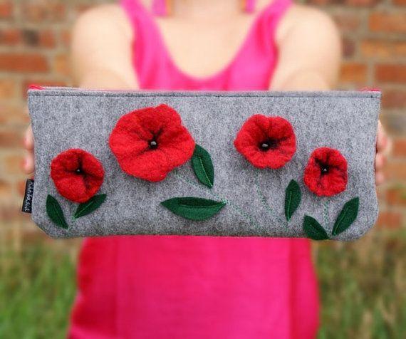 Bolsos con broches de fieltro de flores 4