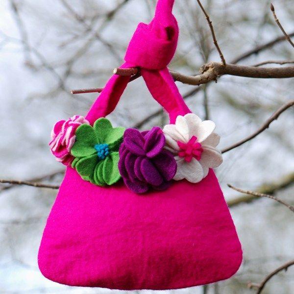 Bolsos con broches de fieltro de flores 6