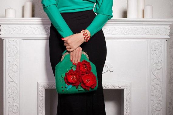 Bolsos con broches de fieltro de flores 3