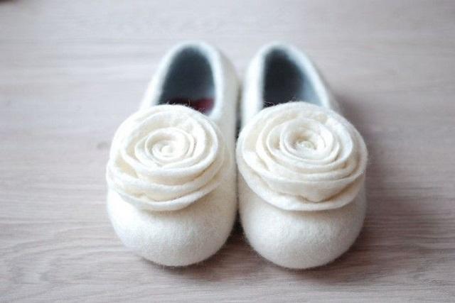 Zapatos de fieltro para novias