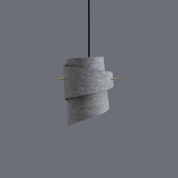 Pantalla de lámpara de fieltro gris y madera