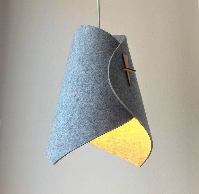 Pantalla de lámpara de fieltro gris