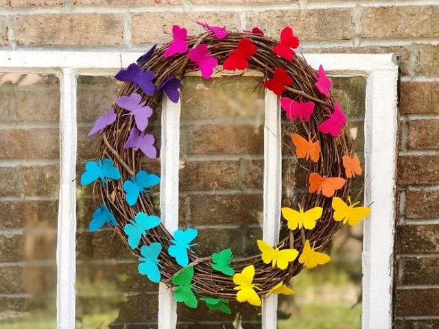 Guirnalda con mariposas de fieltro